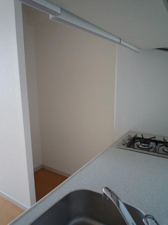 apartment kitchen refrigertor