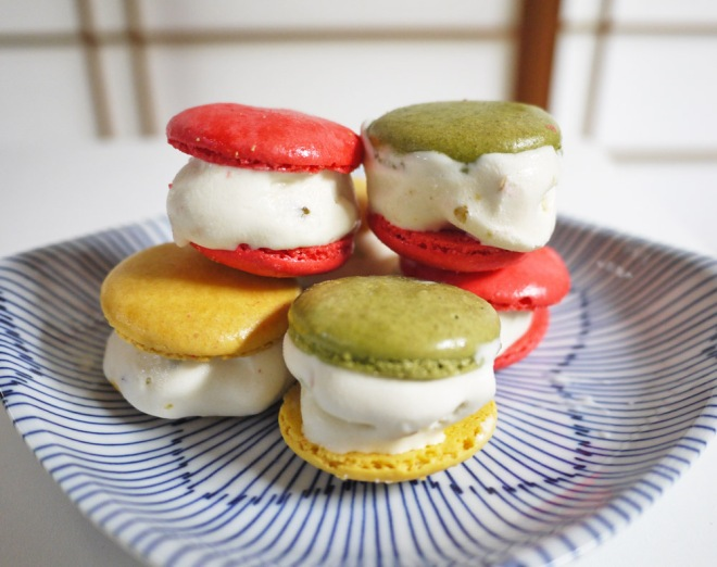 mini macaron ice cream sandwiches