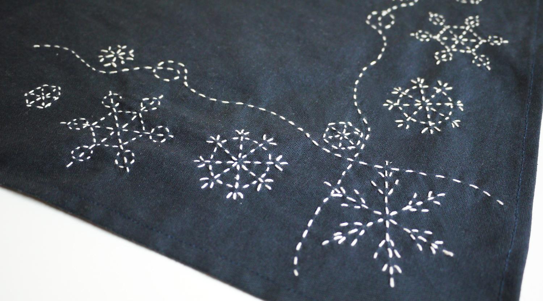 sashiko snowflakes by Saké Puppets
